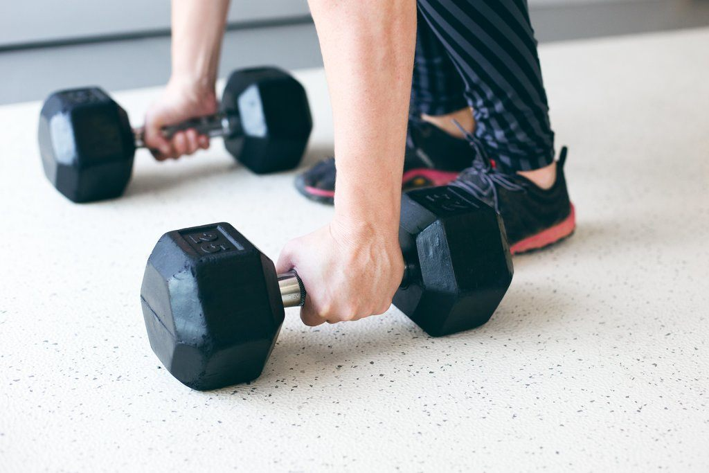 The Guide to a Complete Dumbbell Workout for Beginners